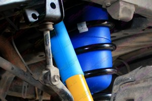 Close up view of Fitted Coil Helpers fitted to a Toyota Landcruiser 100 Series IFS 4x4