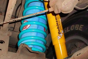 """2"""" inch Airbag Man and Dobinsons lift kit to suit the 105 Series Toyota Landcuiser"""