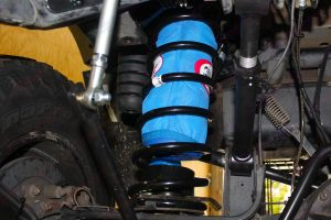 4x4 Airbags and kevlar protective cover fitted in some black Superior coil springs